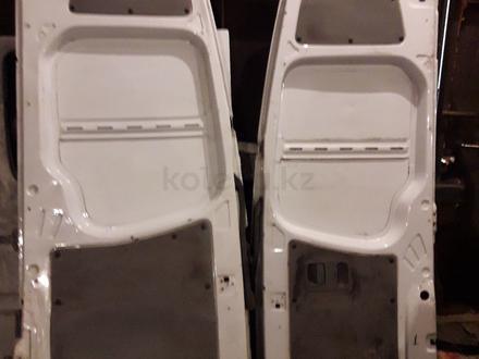 Задние двери на мерседес спринтер за 100 000 тг. в Кокшетау – фото 4