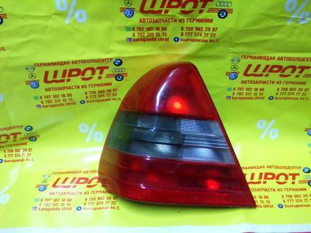 Задний фонарь на МВ-w202 за 1 000 тг. в Караганда