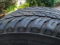 Одна шина отличном состоянии 285/60 r18 yokohama at23 за 16 000 тг. в Алматы