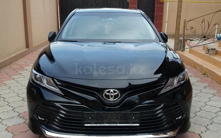 Toyota Camry 2018 года за 11 200 000 тг. в Шымкент
