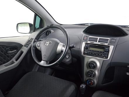 Toyota Yaris 2010 года за 3 120 000 тг. в Шымкент – фото 9