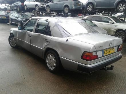 Mercedes-Benz E 320 1993 года за 111 111 тг. в Темиртау – фото 3