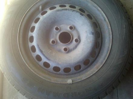 Шины (резина) с дисками комплект на пассат в5 за 80 000 тг. в Караганда – фото 7