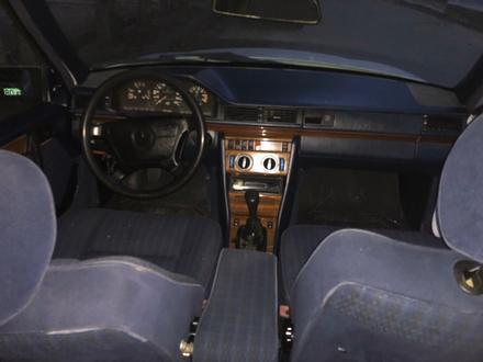 Mercedes-Benz E 230 1992 года за 1 300 000 тг. в Тараз – фото 4