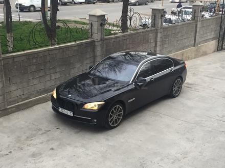 BMW 740 2009 года за 7 500 000 тг. в Шымкент – фото 2