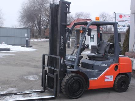 Toyota  8FG30/ 3 тонны, 4 метра, автомат 2014 года за 1 тг. в Алматы – фото 2