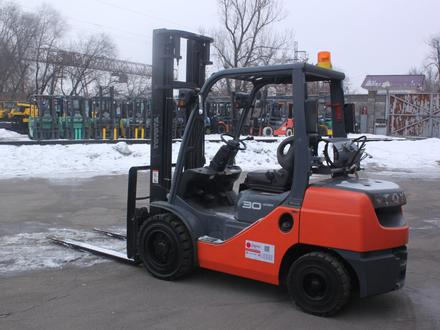 Toyota  8FG30/ 3 тонны, 4 метра, автомат 2014 года за 1 тг. в Алматы – фото 4