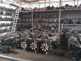 Двигатель и кпп на Тойота Секвойя за 100 тг. в Атырау