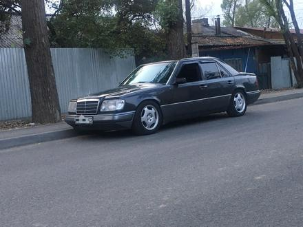 Mercedes-Benz E 280 1993 года за 1 800 000 тг. в Алматы – фото 3