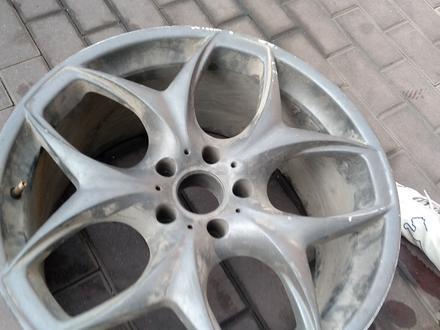 Диск BMW x5 r20 5x120 не комплект за 10 000 тг. в Алматы – фото 2