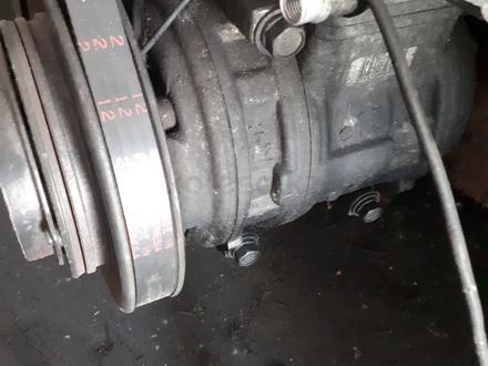 Компрессор кондиционера на мицубиси паджеро двигатель 4g64, обьем 2.4Л за 40 000 тг. в Алматы