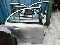 Двери на мерседес за 101 тг. в Алматы