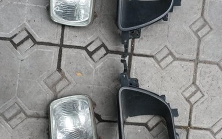 На TOYOTA TOWN ACE NOAH поворотники за 5 000 тг. в Алматы