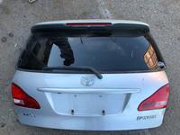 Дверь багажника Toyota Ipsum за 35 000 тг. в Алматы