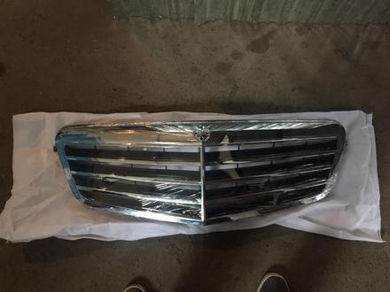 Решетка радиатора mercedes w212 за 50 000 тг. в Алматы